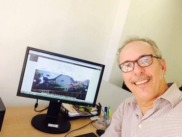 Josué Nogueira mora há 30 anos no Recife e há pouco mais de um ano e meio criou a página no Facebook. Foto: acervo pessoal